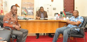 PS, Dr. Chris Kiptoo, holding talks with the Nyanza Regional Commissioner, Mr. James Kianda, as PS, Fisheries and Blue Econony, Prof. Micheni Ntiba, listen keenly.
