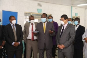 PS Dr. Chris Kiptoo , center , right UNDP Kenya country Representative Dr. Walid Badawi, Left Mbagathi County Hospital CEO Dr. Joseph Karani, 2nd left Ministry of Health Head of Special Programs Dr. Kepha Ombacho during the handing over of the equipments.
